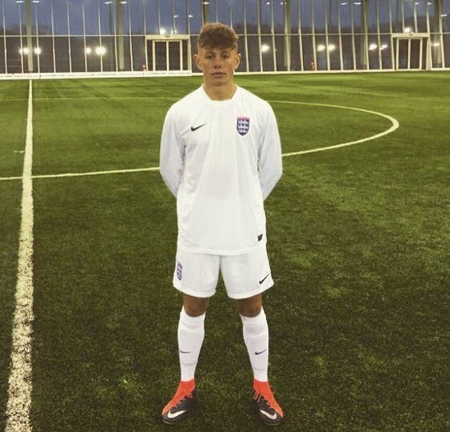 TOM PRESTON IN ECFA KIT.jpg